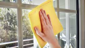 How to clean your windows with natural ingredients